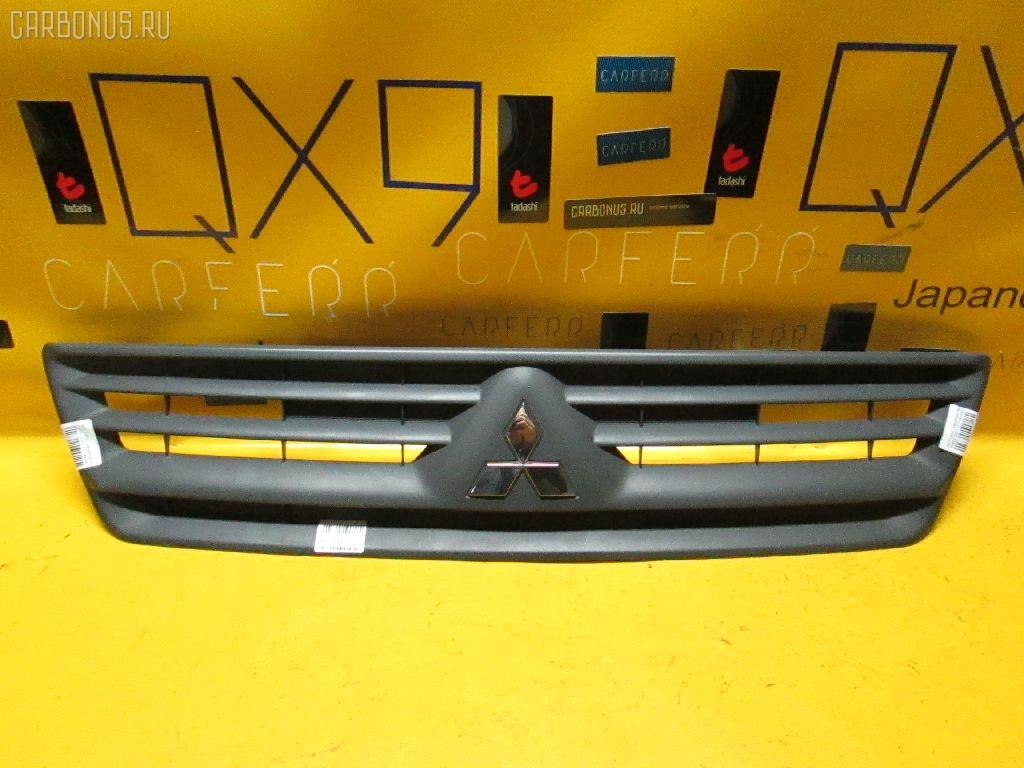 Решетка радиатора Mitsubishi Lancer cargo CS2V Фото 1