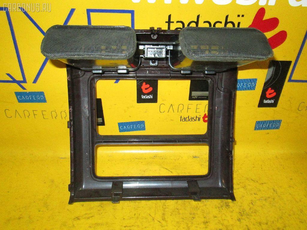 Консоль магнитофона TOYOTA GRAND HIACE VCH10W Фото 2