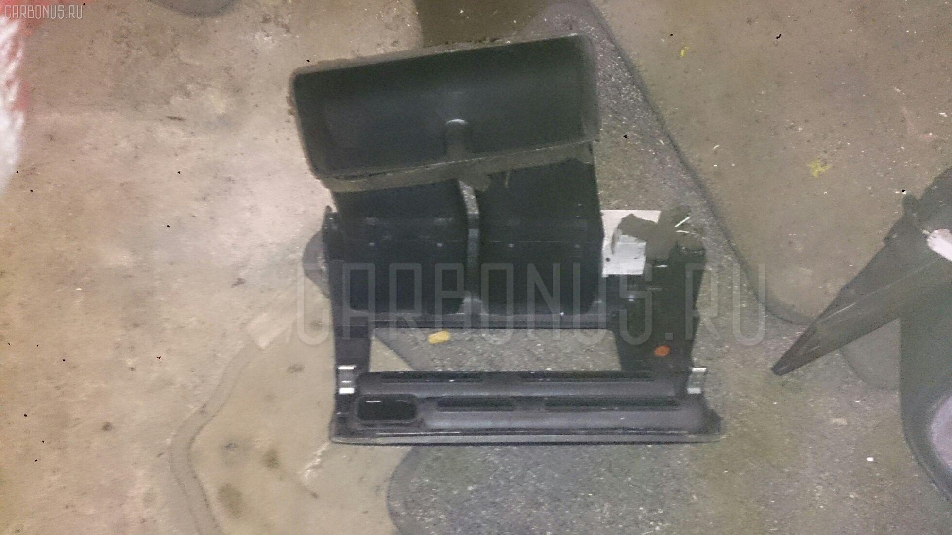 Консоль магнитофона Toyota Corolla wagon EE107V Фото 1