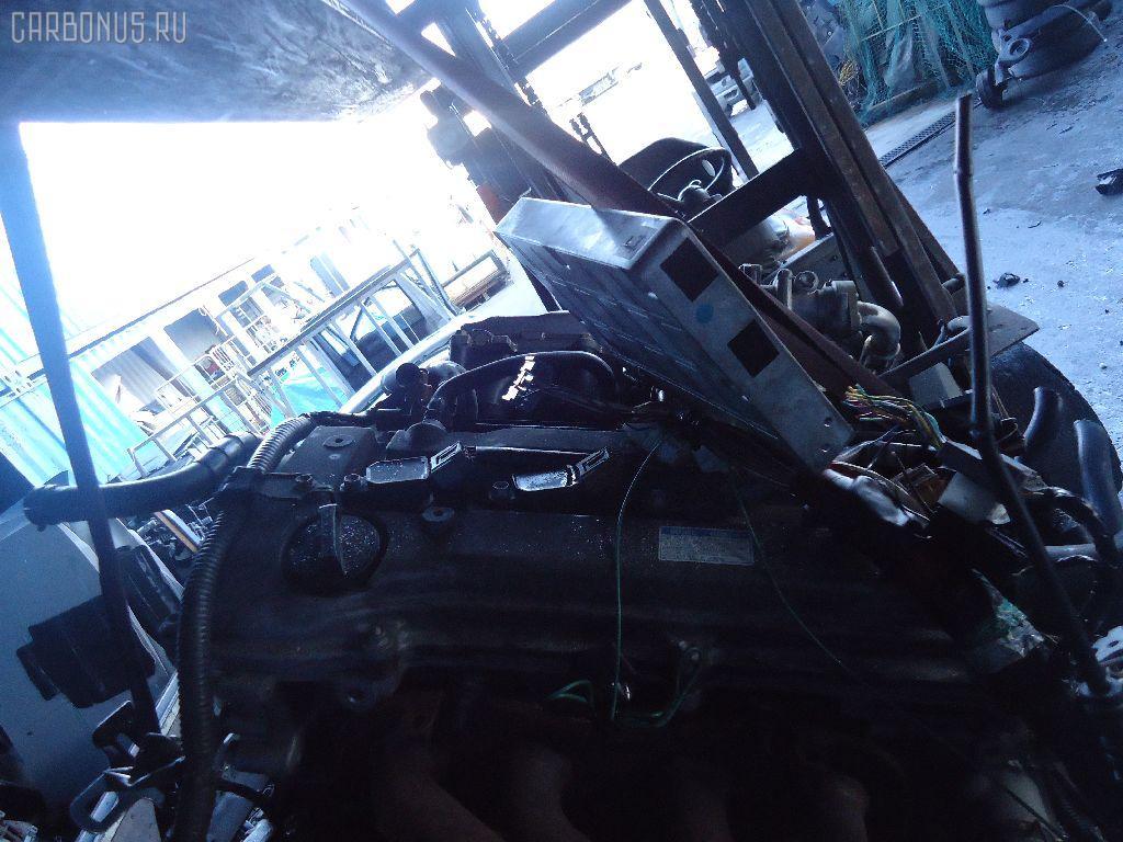 Тросик топливного бака TOYOTA VOXY AZR60G Фото 5
