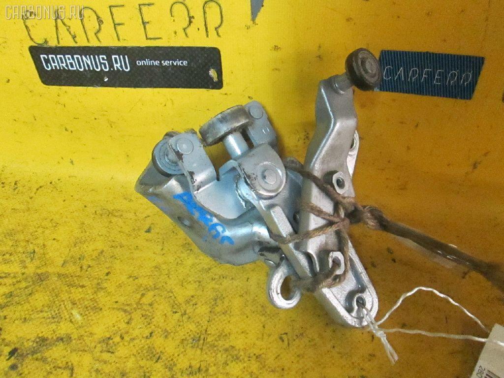 Ролик двери TOYOTA VOXY AZR65G Фото 1