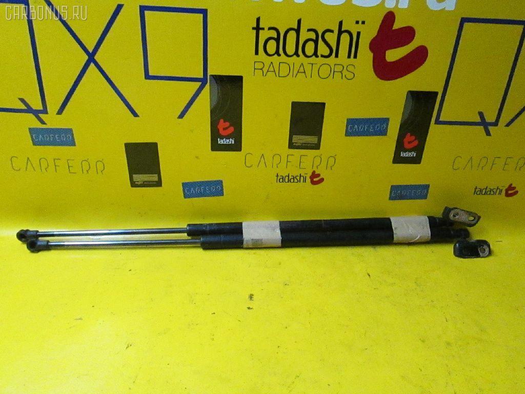 Амортизатор двери TOYOTA RACTIS NCP105 Фото 1