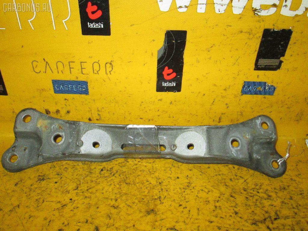 Крепление подушки КПП BMW 5-SERIES E39-DT42 M54-256S5 Фото 1