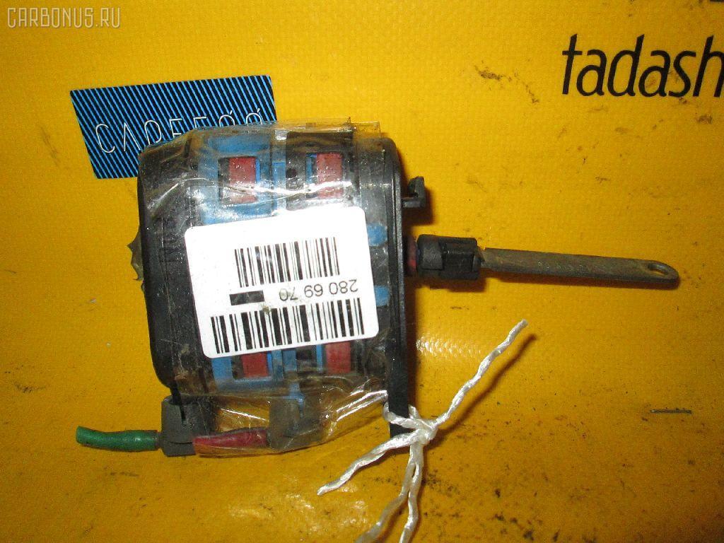 Моторчик заслонки печки MERCEDES-BENZ E-CLASS W210.072 119.985 Фото 2