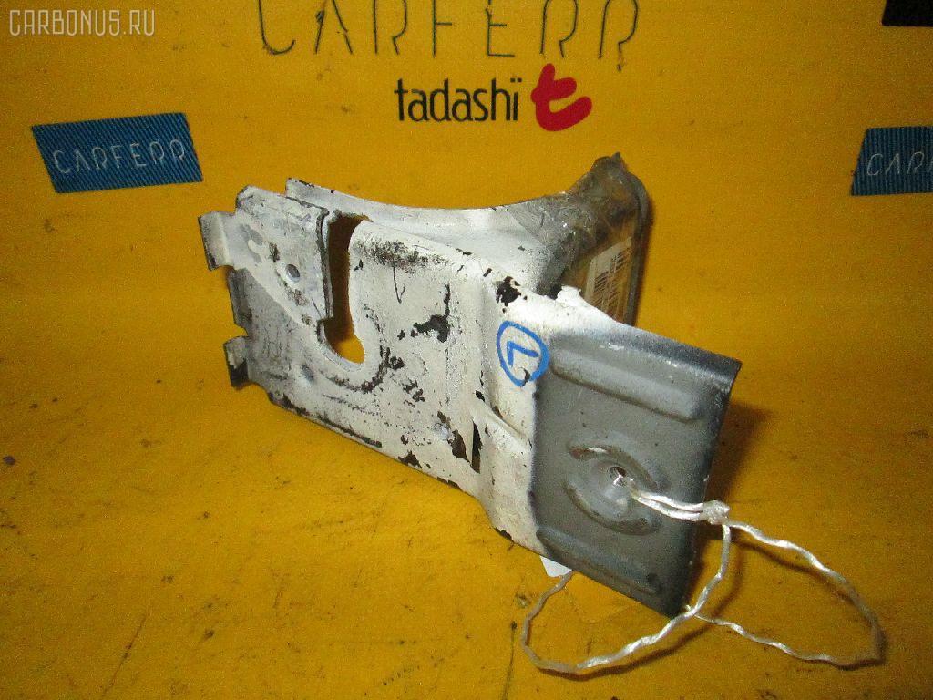 Крепление бампера MERCEDES-BENZ E-CLASS W210.072. Фото 2