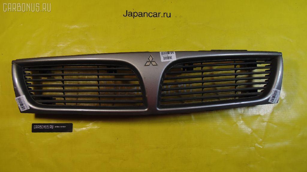 Решетка радиатора MITSUBISHI DIAMANTE F13A Фото 1