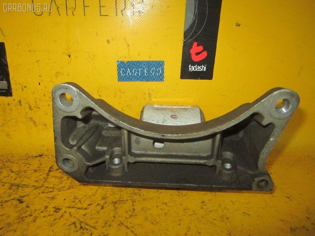 Подушка КПП MERCEDES-BENZ E-CLASS STATION WAGON S210.265 112.941 Фото 1