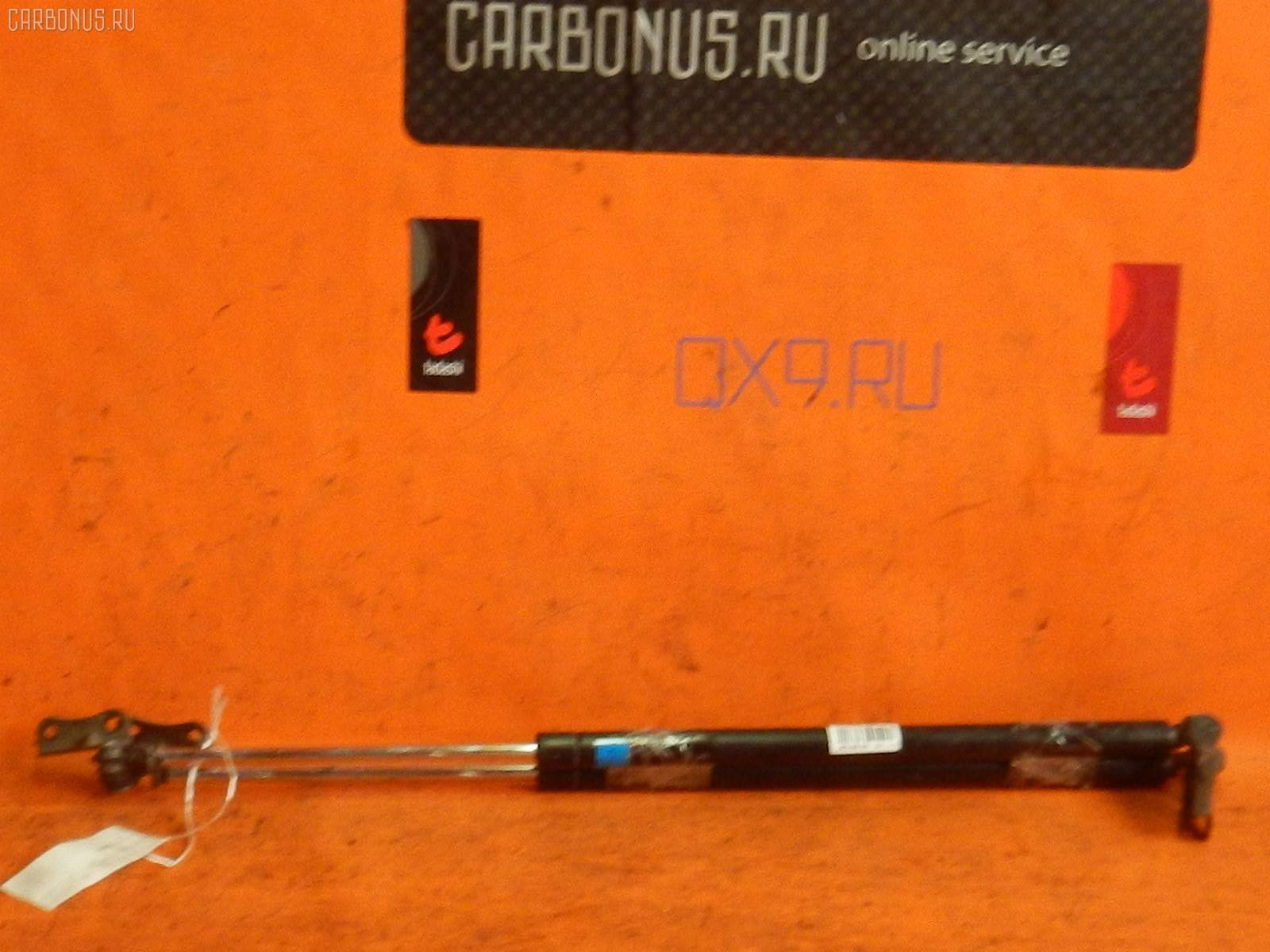 Амортизатор двери TOYOTA ESTIMA MCR40W Фото 1