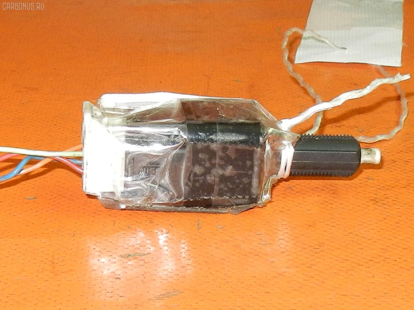 Выключатель концевой NISSAN NOTE E11 HR15DE Фото 1