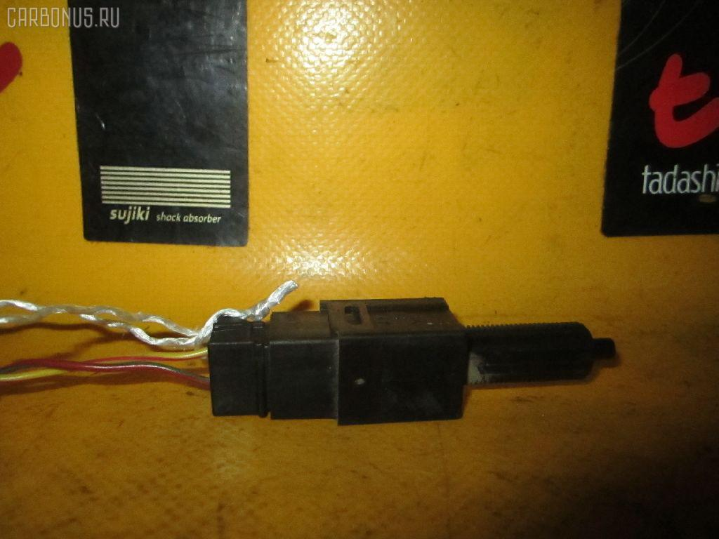 Выключатель концевой NISSAN TEANA PJ31 VQ35DE Фото 1