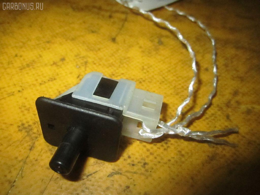 Выключатель концевой MERCEDES-BENZ C-CLASS W203.045 Фото 1