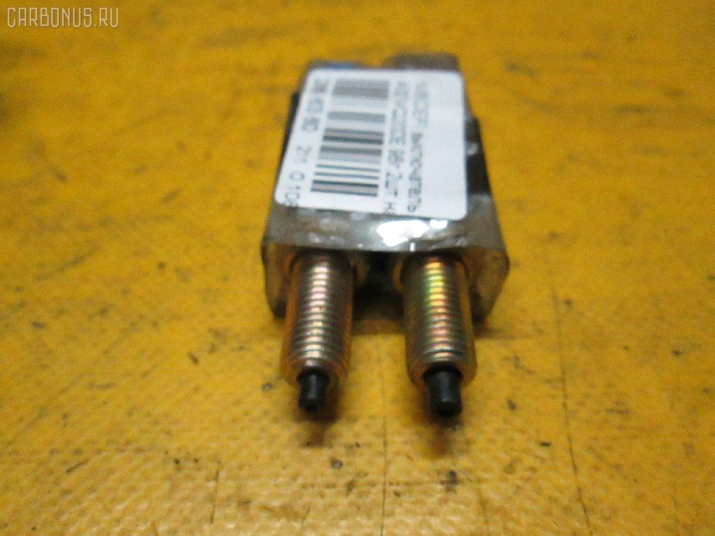 Выключатель концевой NISSAN CEFIRO A32 VQ20DE Фото 1