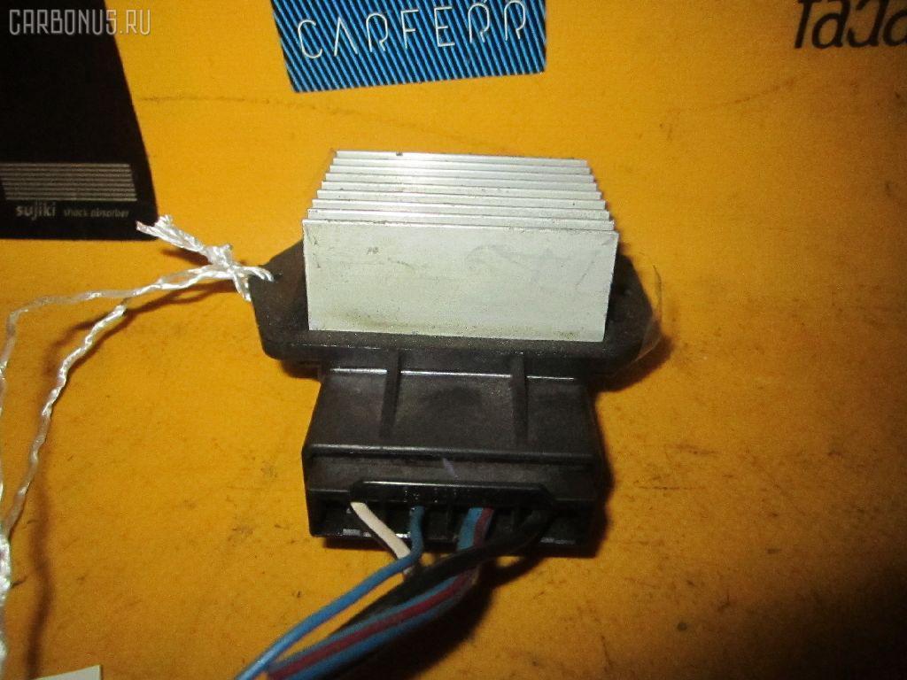 Регулятор скорости мотора отопителя TOYOTA WISH ZNE10G 1ZZ-FE Фото 1