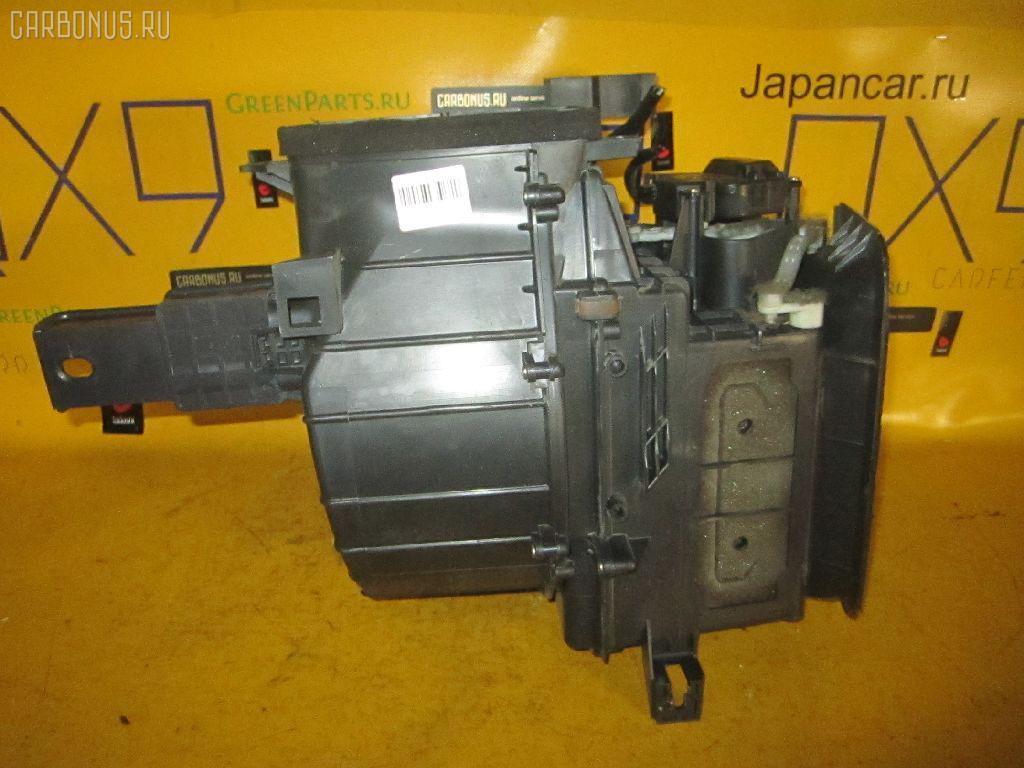 Мотор печки TOYOTA IPSUM ACM21W. Фото 9
