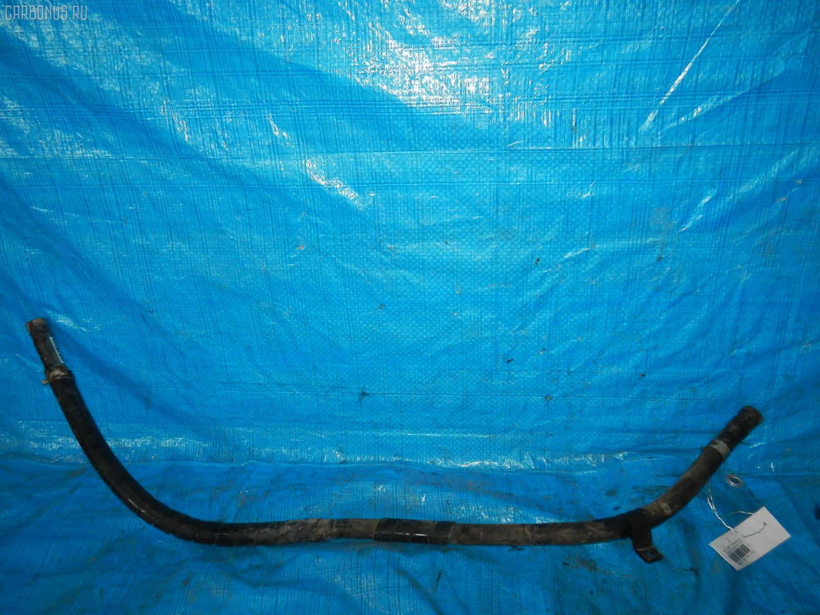 Патрубок радиатора печки MITSUBISHI CANTER FB501B 4M40 Фото 1