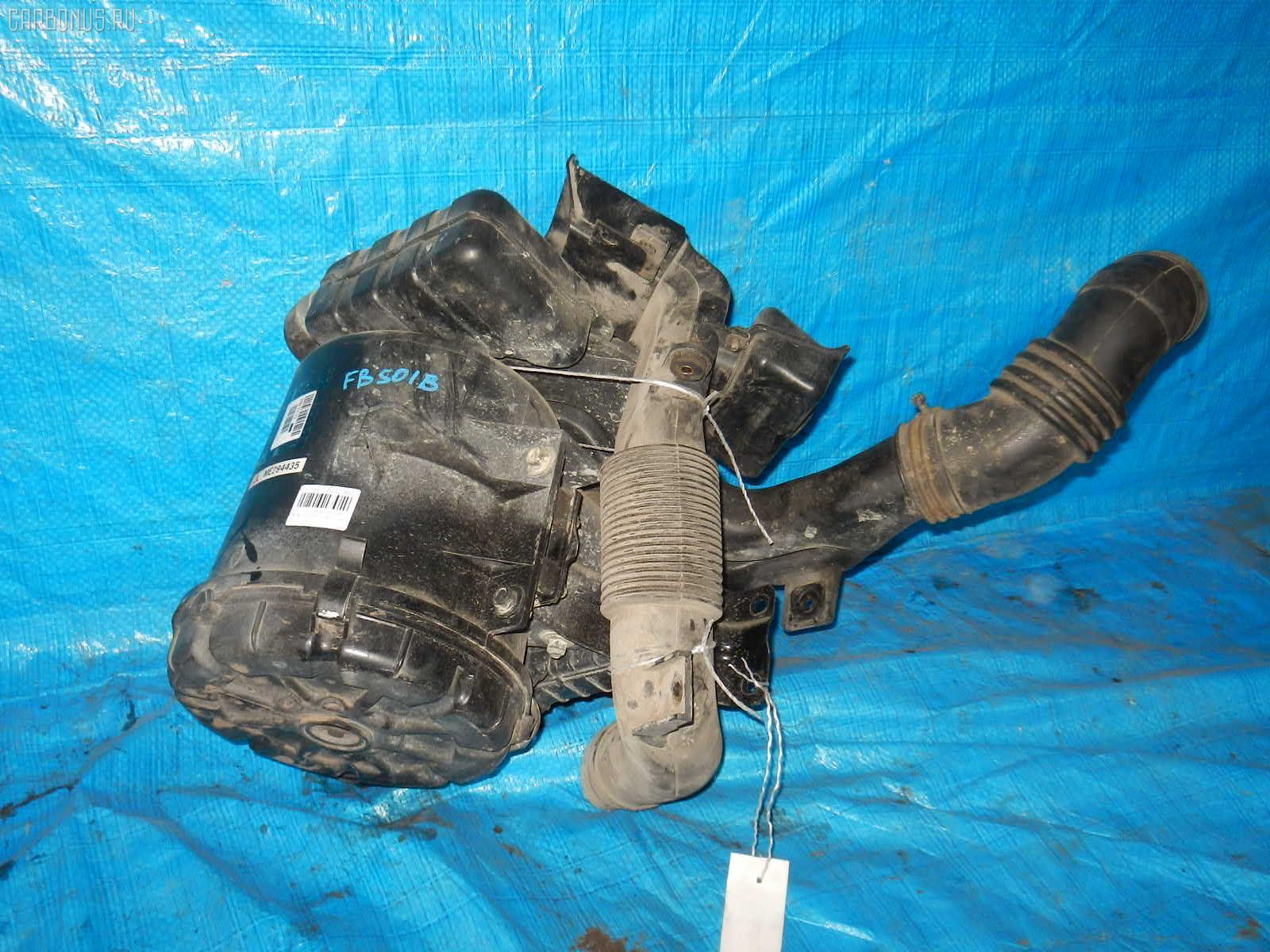 Корпус воздушного фильтра MITSUBISHI CANTER FB501B 4M40 Фото 2