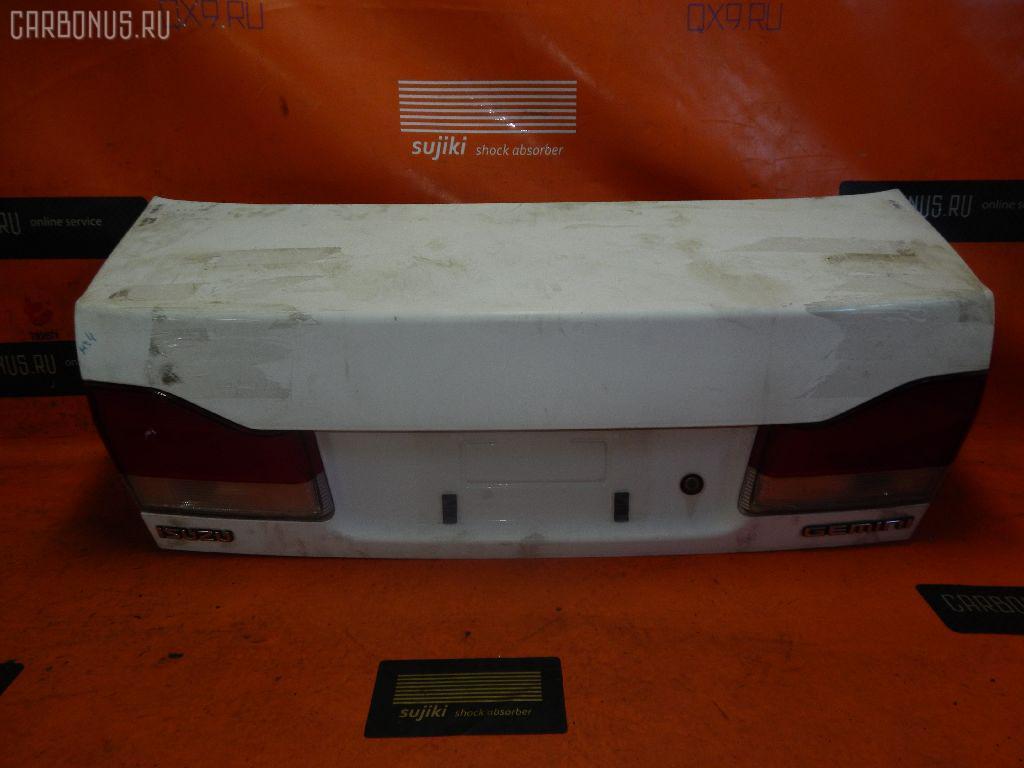 Крышка багажника ISUZU GEMINI MJ4 Фото 1