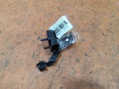 Клапан-вакуумник на Toyota Ipsum SXM10G 3S-FE