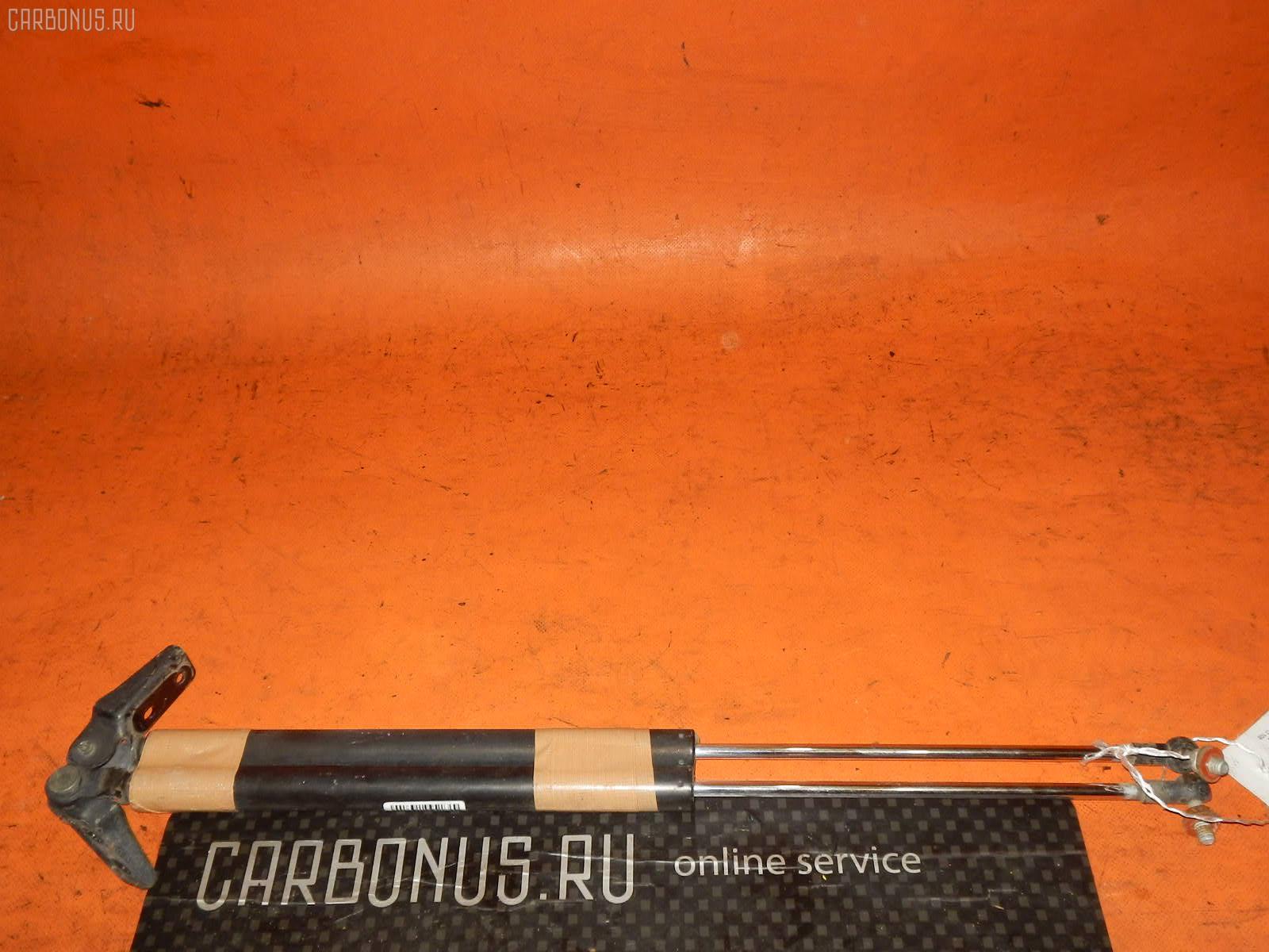 Амортизатор двери SUBARU FORESTER SG5. Фото 7