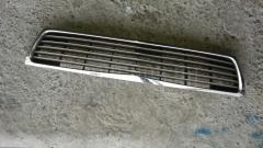 Решетка радиатора NISSAN LAUREL HC34 Фото 2