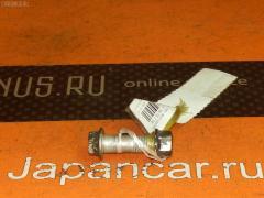 Болт крепежный амортизационной стойки Toyota Ipsum SXM10G 3S-FE Фото 1