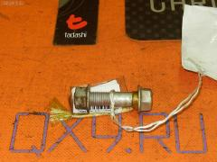 Болт крепежный амортизационной стойки TOYOTA PASSO KGC10 1KR-FE Фото 1