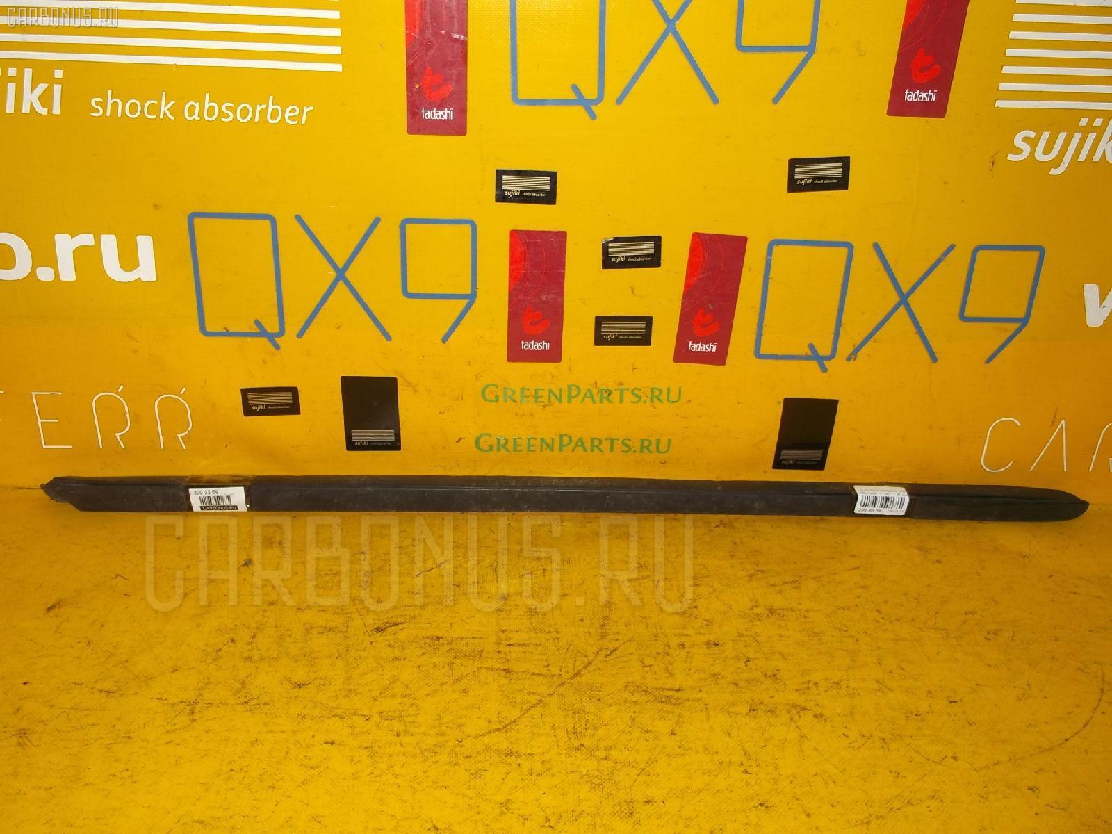 Молдинг стекла AUDI A4 AVANT 8EAMBF Фото 1