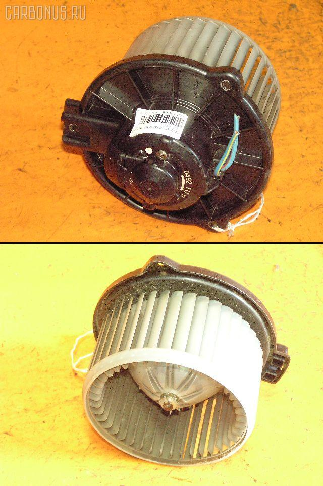 Мотор печки TOYOTA VITZ SCP10. Фото 10