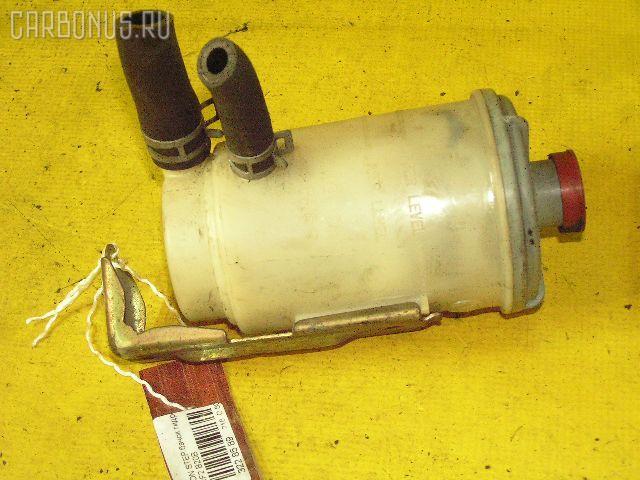Бачок гидроусилителя HONDA STEPWGN RF2 B20B. Фото 2