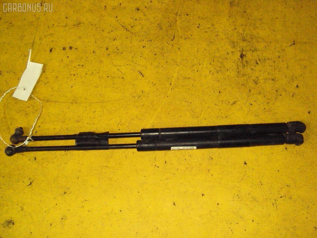 Амортизатор капота TOYOTA MARK II GX90. Фото 9