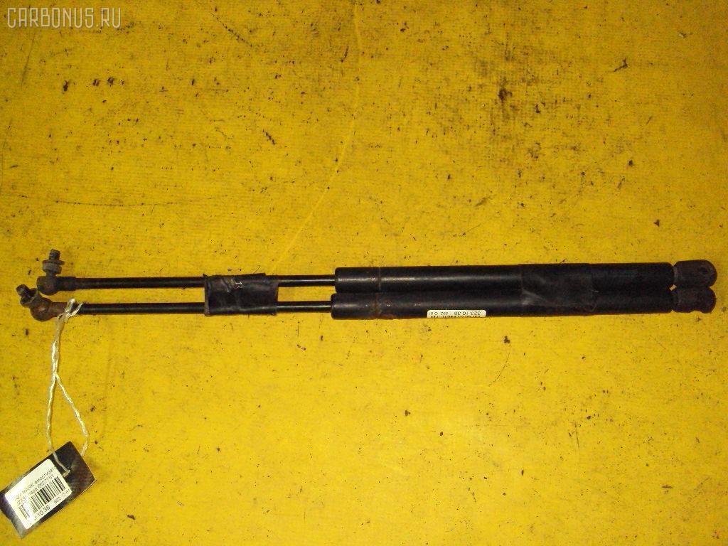Амортизатор капота TOYOTA MARK II JZX90. Фото 5