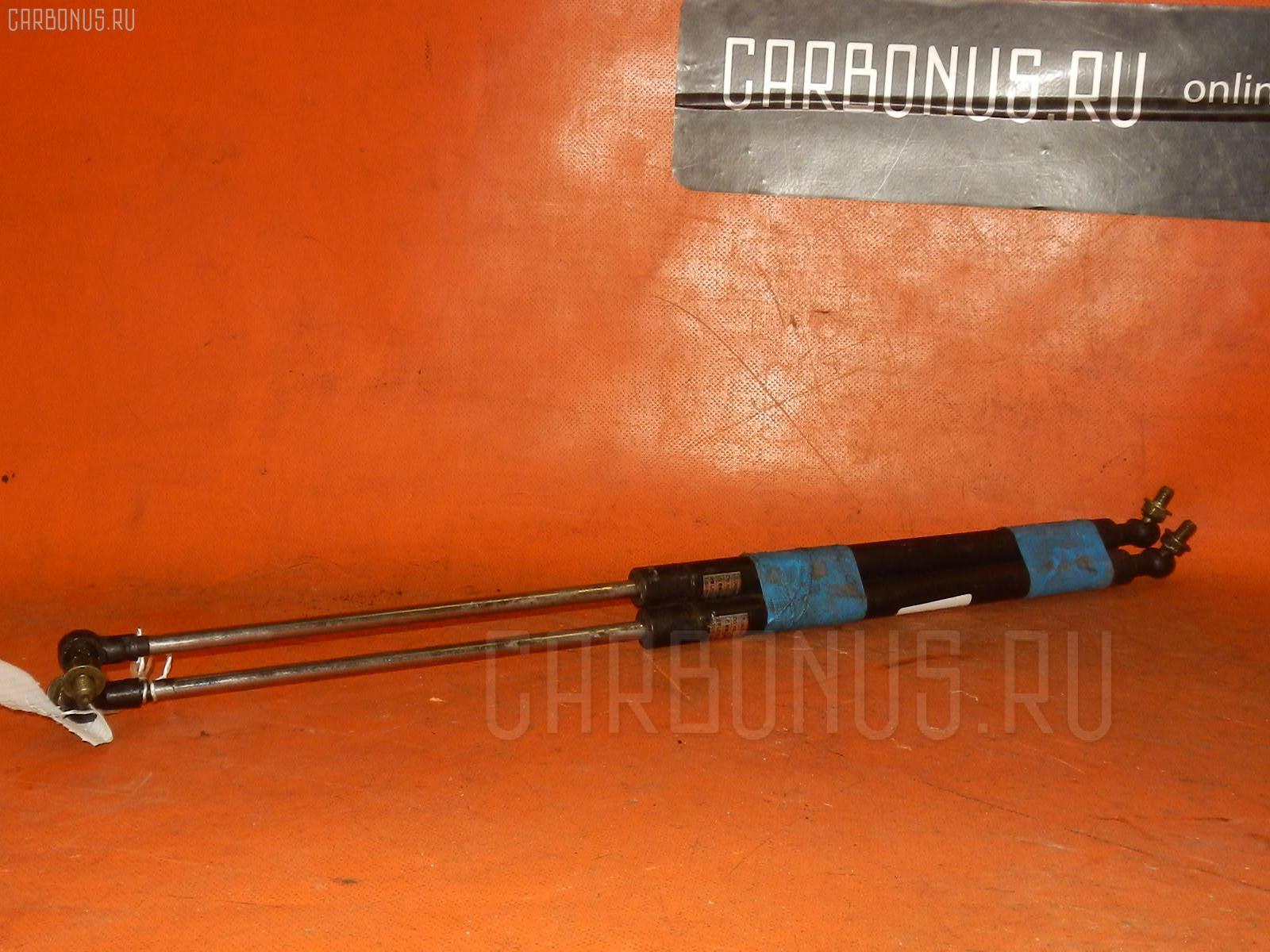 Амортизатор капота TOYOTA MARK II GX110. Фото 4