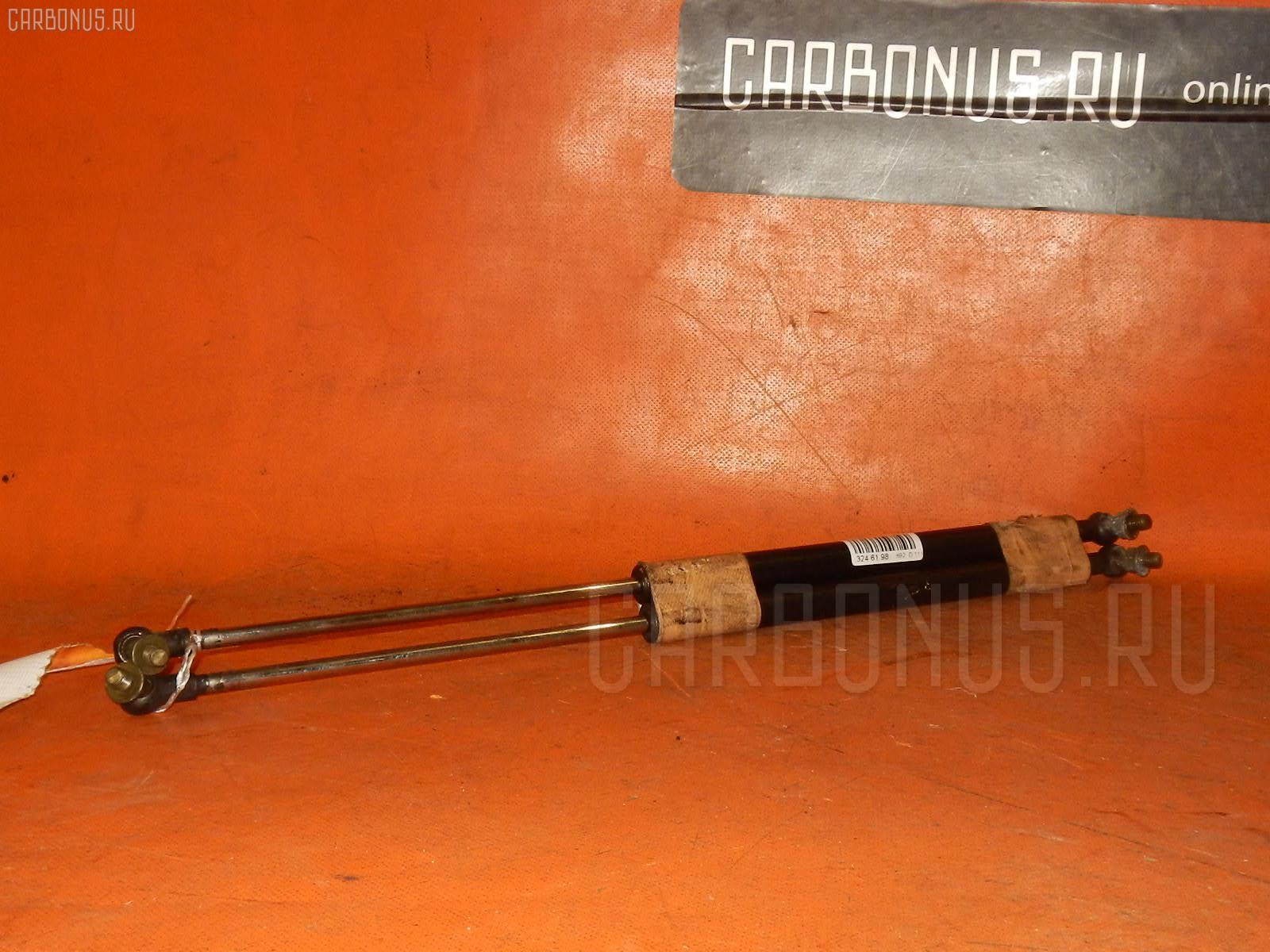 Амортизатор капота TOYOTA MARK II JZX100. Фото 5
