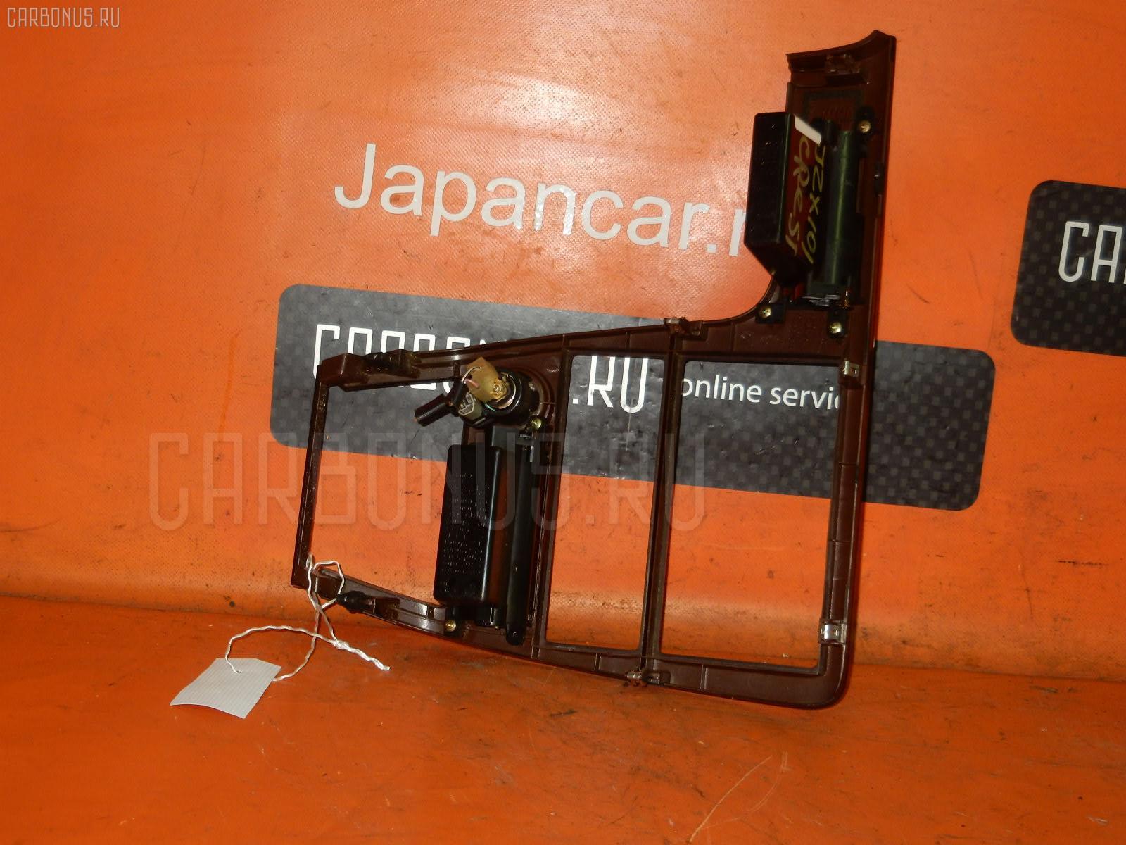 Консоль магнитофона TOYOTA CRESTA JZX101 Фото 2