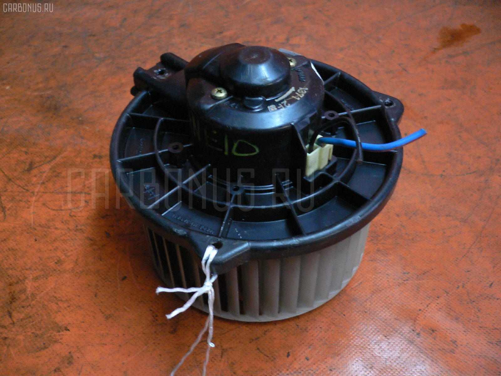 Мотор печки TOYOTA WISH ZNE10G. Фото 4