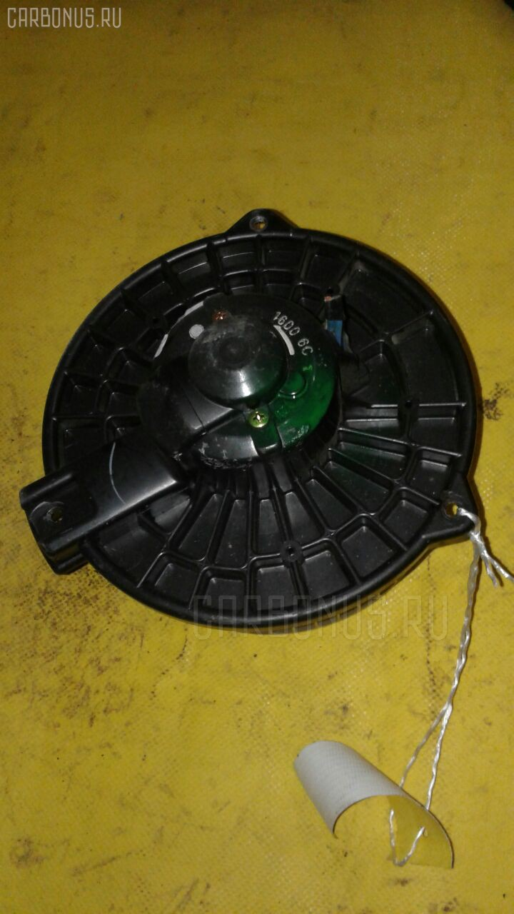 Мотор печки HONDA STREAM RN1 Фото 1