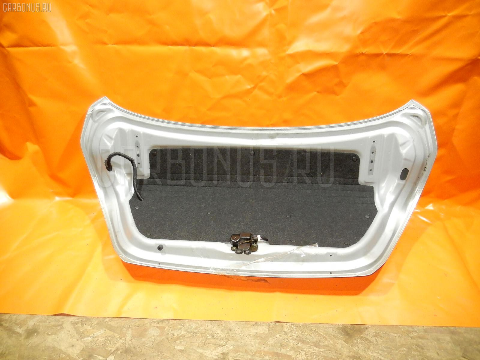 Крышка багажника NISSAN TIIDA SC11 Фото 2