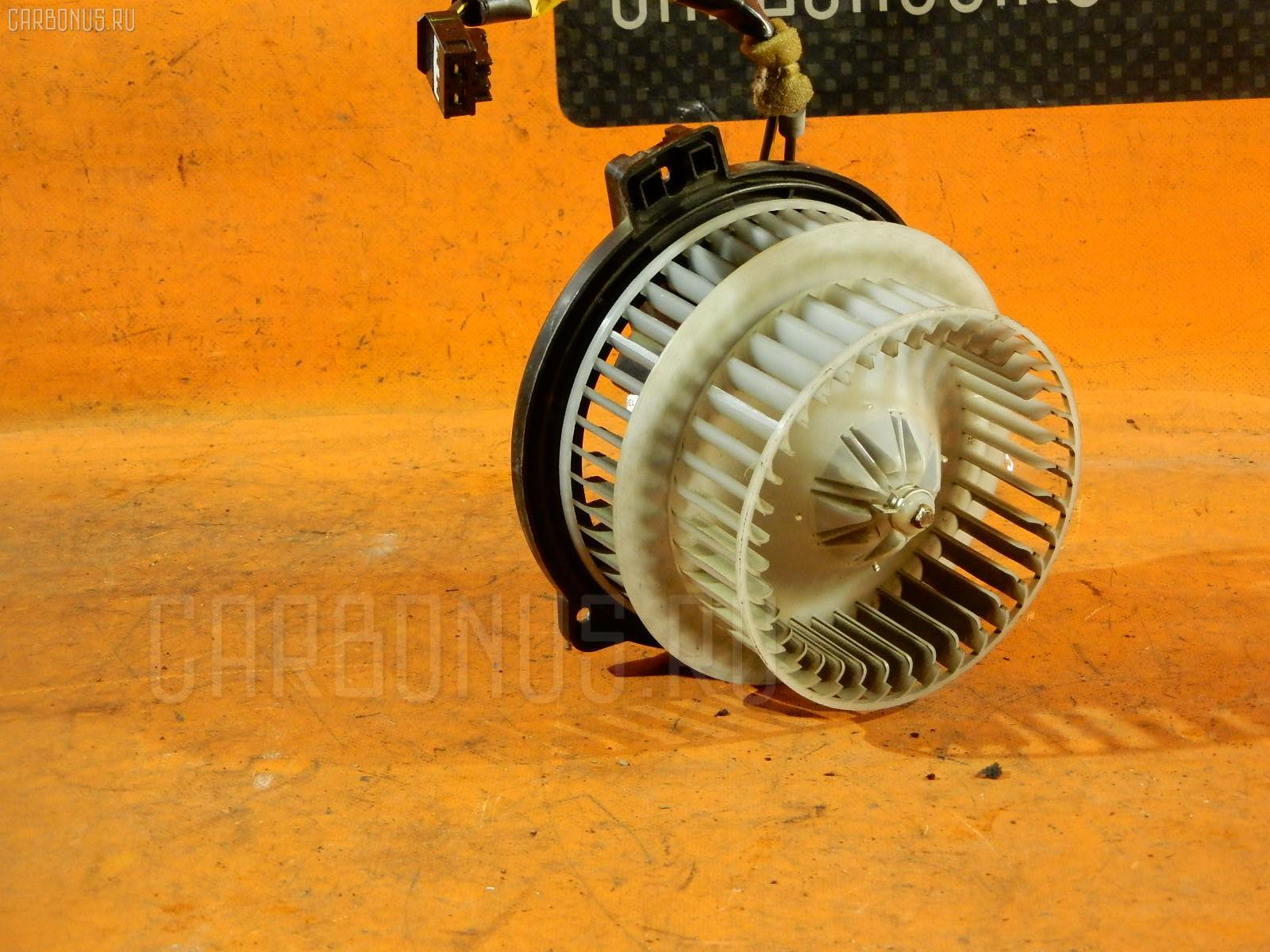 Мотор печки TOYOTA PRIUS NHW20. Фото 3