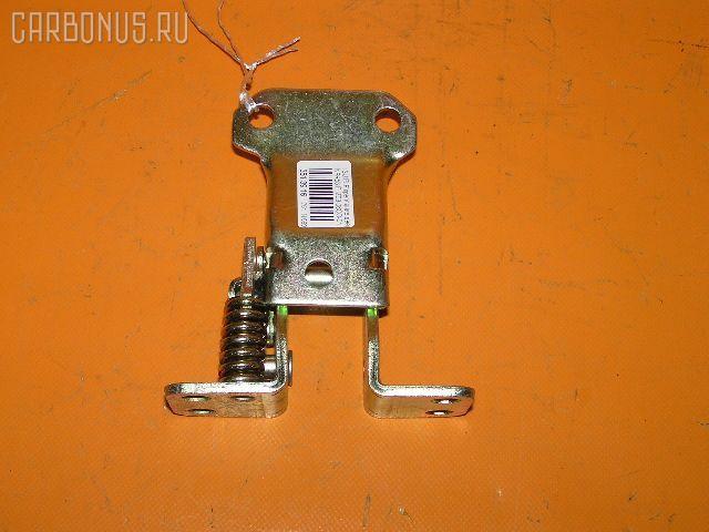 Крепление двери ISUZU ELF NPR58 Фото 1