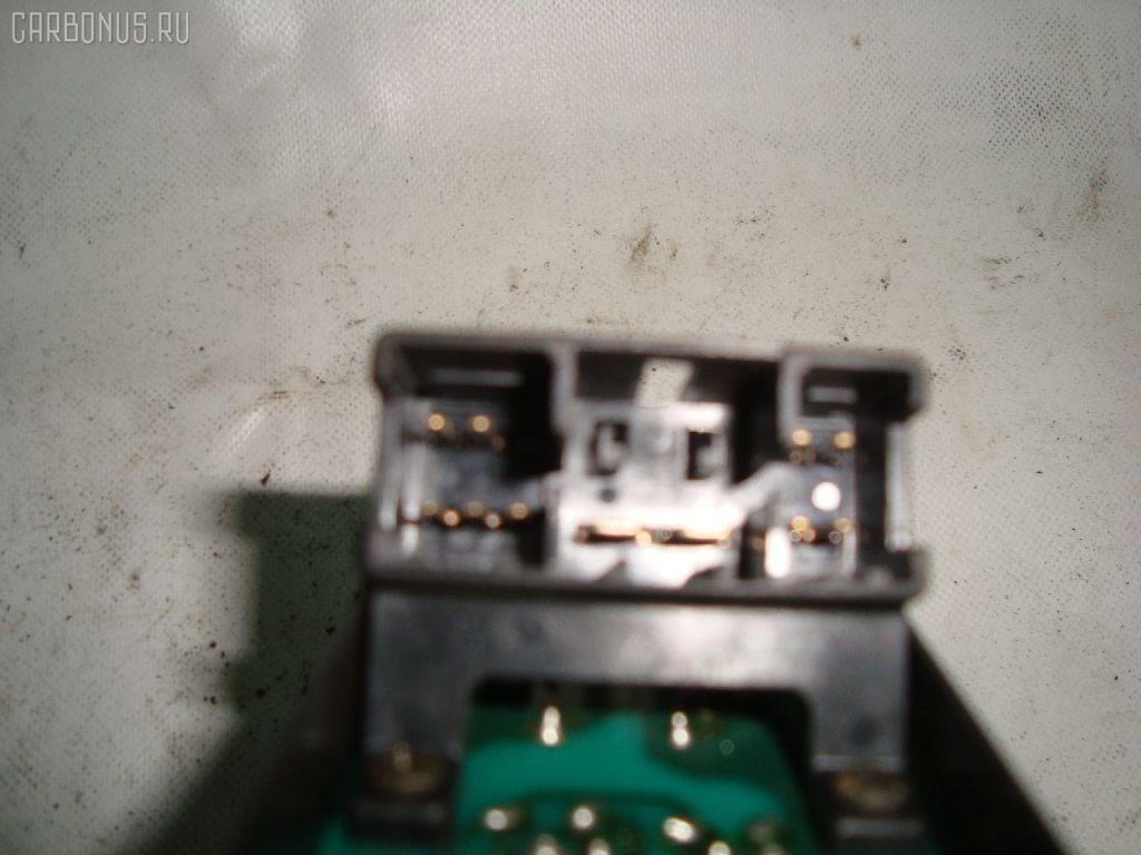 Блок упр-я стеклоподъемниками MAZDA MPV LV5W. Фото 2