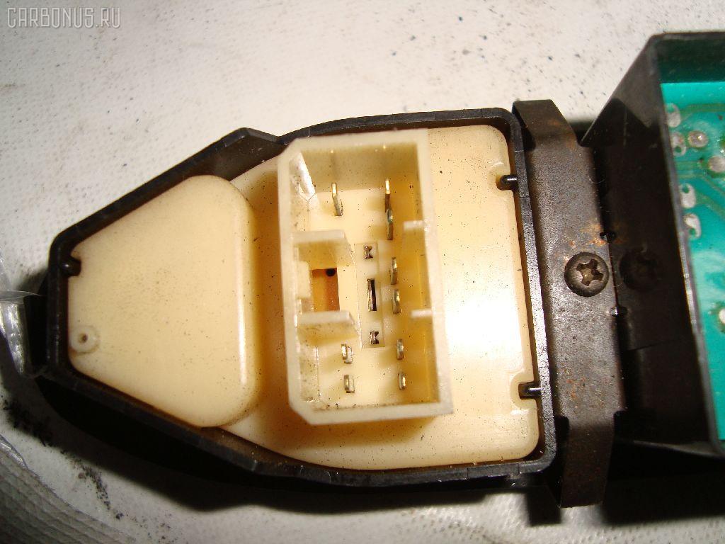 Блок упр-я стеклоподъемниками MAZDA MPV LV5W. Фото 3