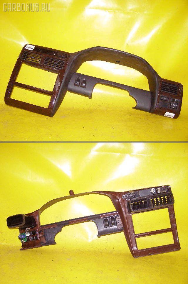 Консоль магнитофона TOYOTA CORONA PREMIO ST210. Фото 10