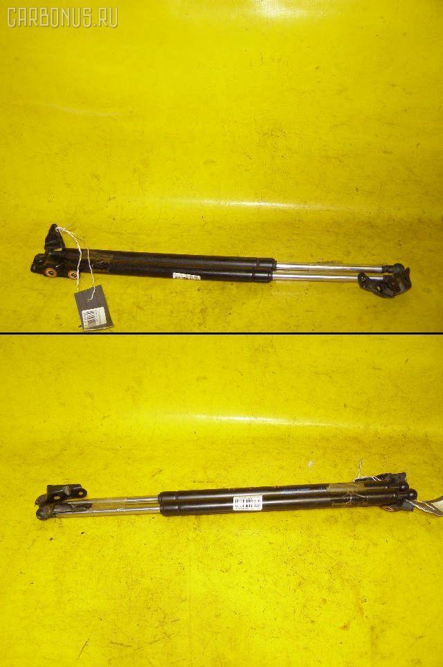 Амортизатор двери TOYOTA GAIA ACM10G. Фото 3
