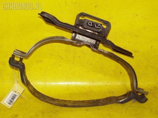 Крепление глушителя TOYOTA NADIA SXN10 3S-FE Фото 1