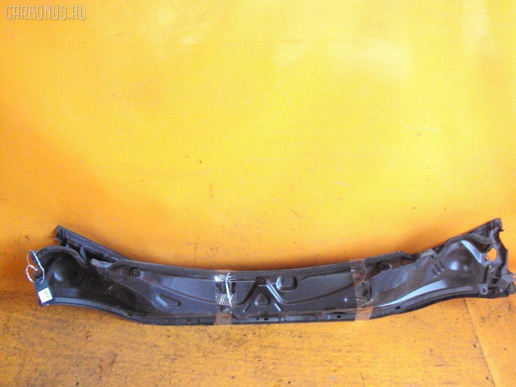 Решетка под лобовое стекло TOYOTA IPSUM ACM26W Фото 2