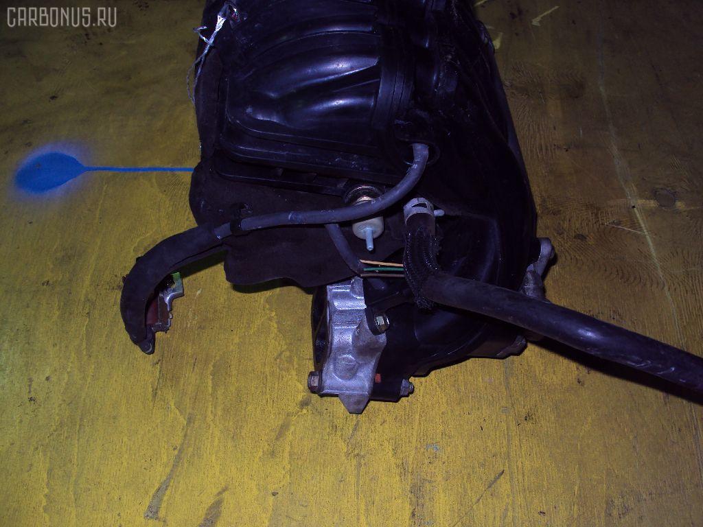 Коллектор впускной TOYOTA VOXY AZR60G 1AZ-FSE Фото 3
