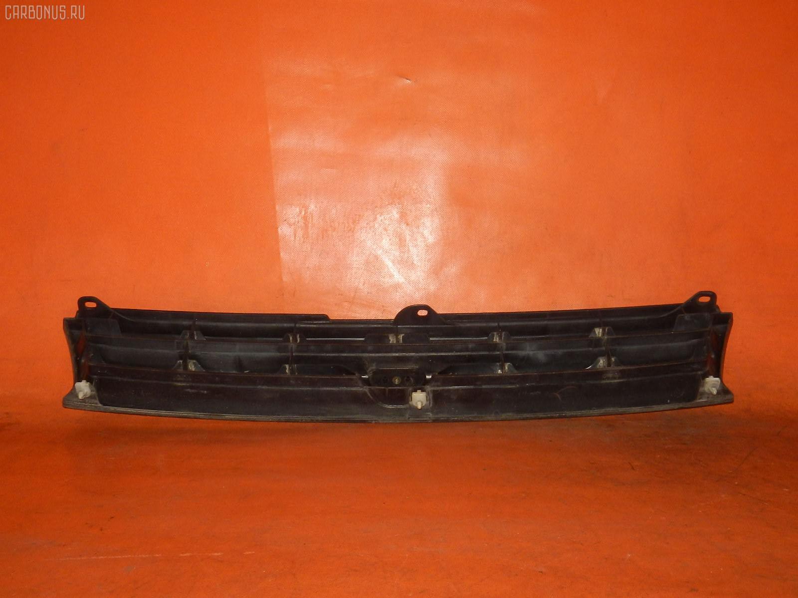 Решетка радиатора TOYOTA STARLET EP82. Фото 10