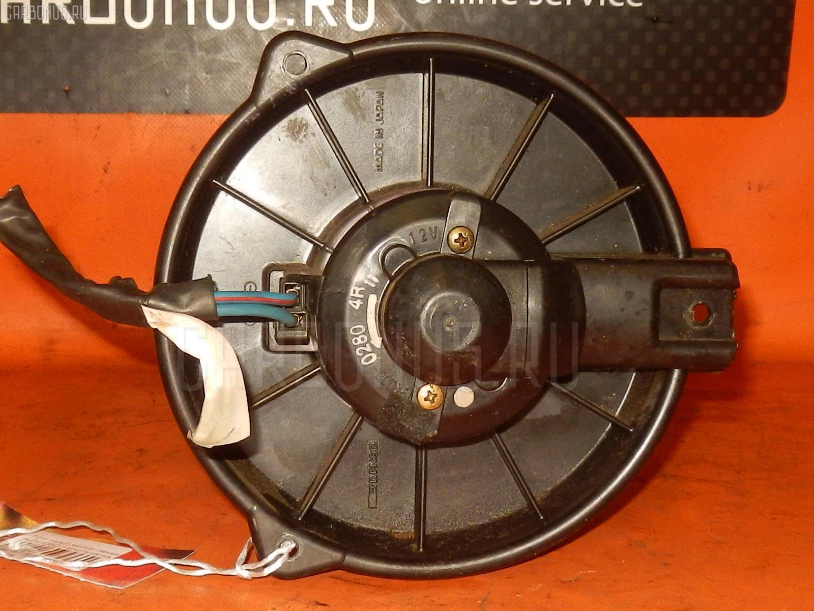 Мотор печки TOYOTA HIACE KZH106G. Фото 6
