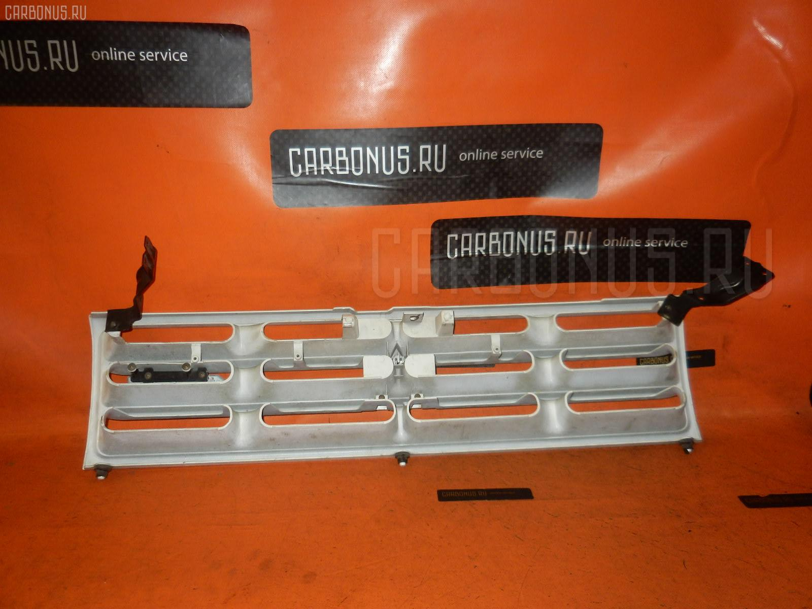 Решетка радиатора Mitsubishi Pajero V45W Фото 1
