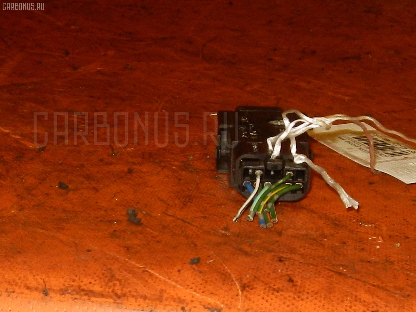 Кнопка аварийной остановки TOYOTA MARK II GX90. Фото 2